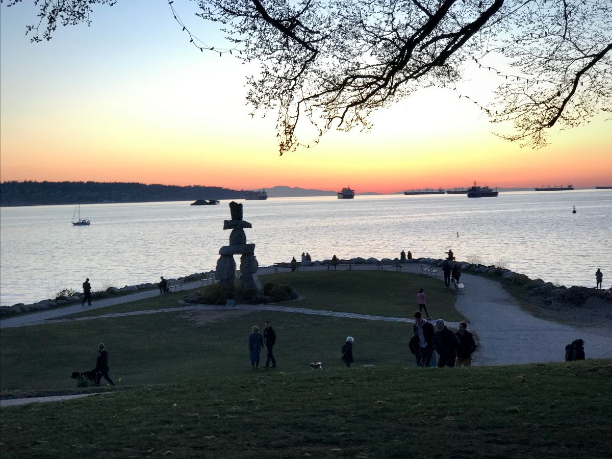 english bay olympic statue sunset